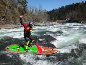 SUP Fluss Tour in Trockenanzug