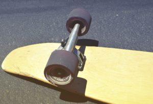 ältere Achse an einem Longboard